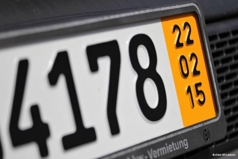 matricula do carro limpa com WD-40