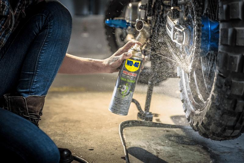 Limpar corrente da moto com WD-40