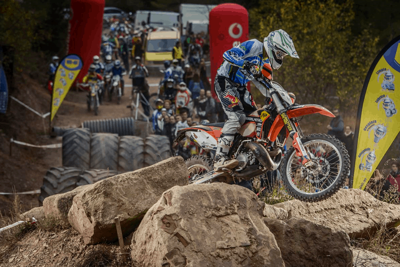 Produtos WD-40 para uma profissional de motocross