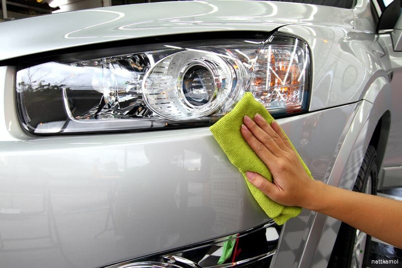Limpeza do carro: remover alcatrao com WD-40