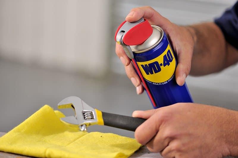 Como tirar ferrugem de ferramentas com WD-40