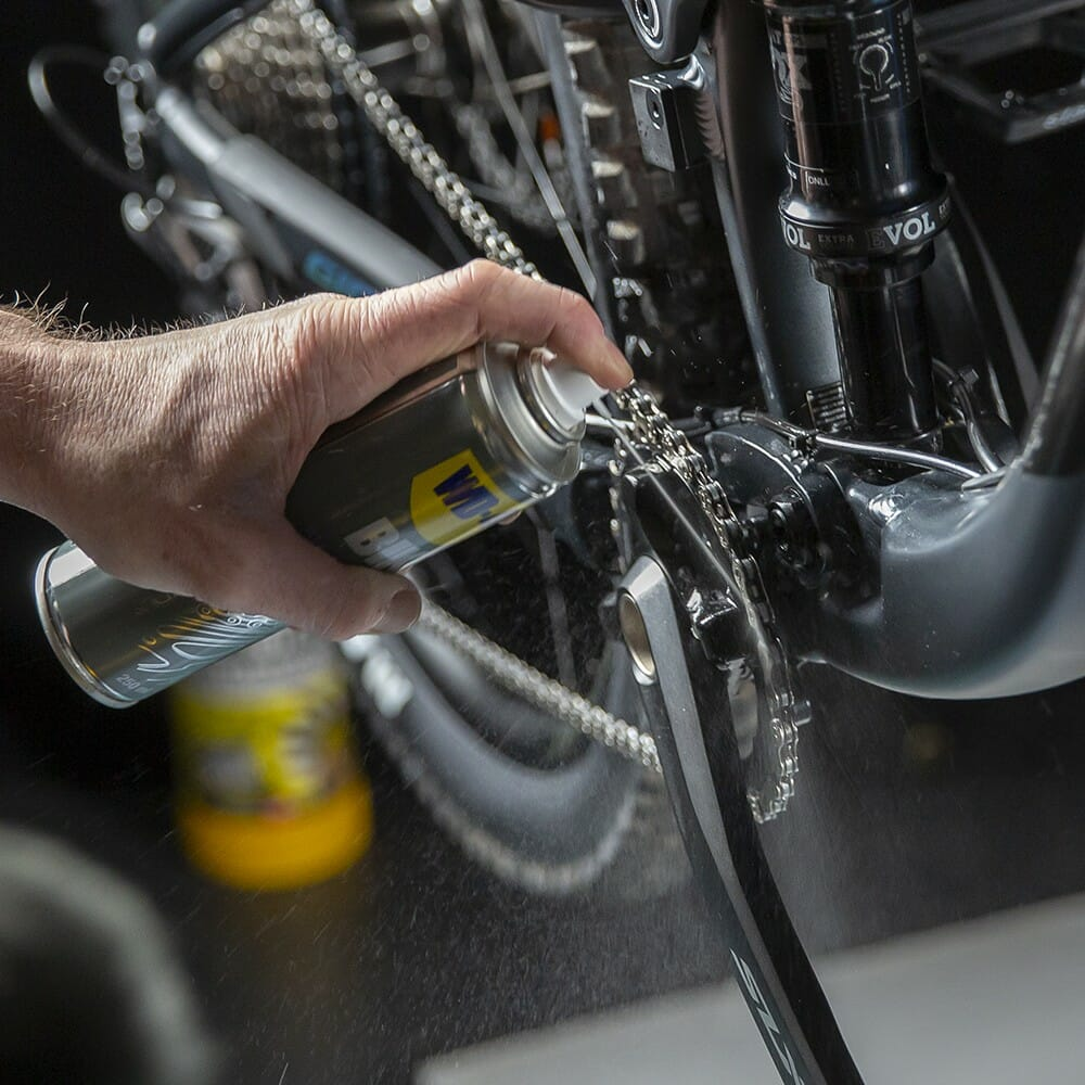 wd-40-bike-lubrificante-correntes-all-conditions-lifestyle-image-2.jpeg