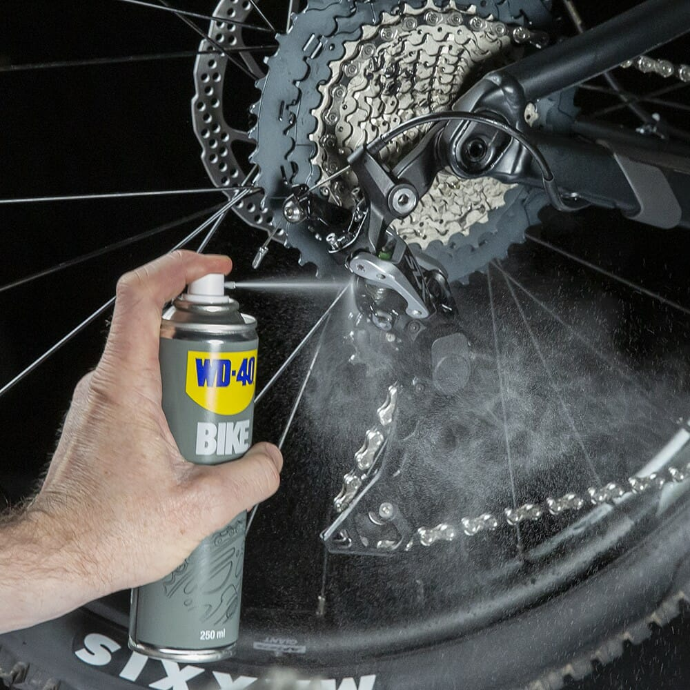 wd-40-bike-lubrificante-correntes-all-conditions-lifestyle-image-1.jpeg